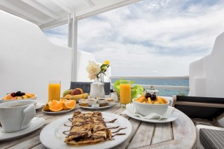 studio with sea view to kyma greek breakfast